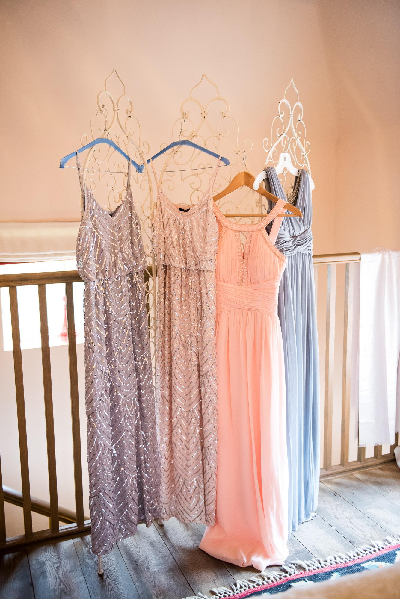 9 Bridesmaid dresses in matching pastel tones