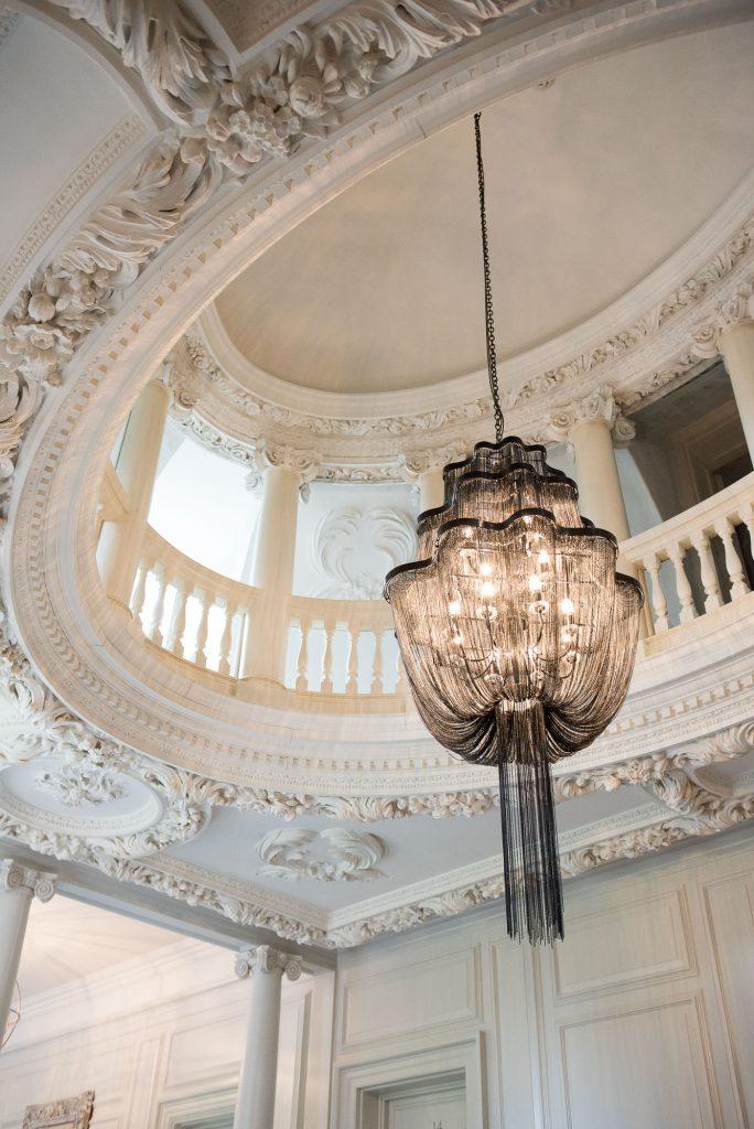 Barnett Hill Hotel Grand Hallway