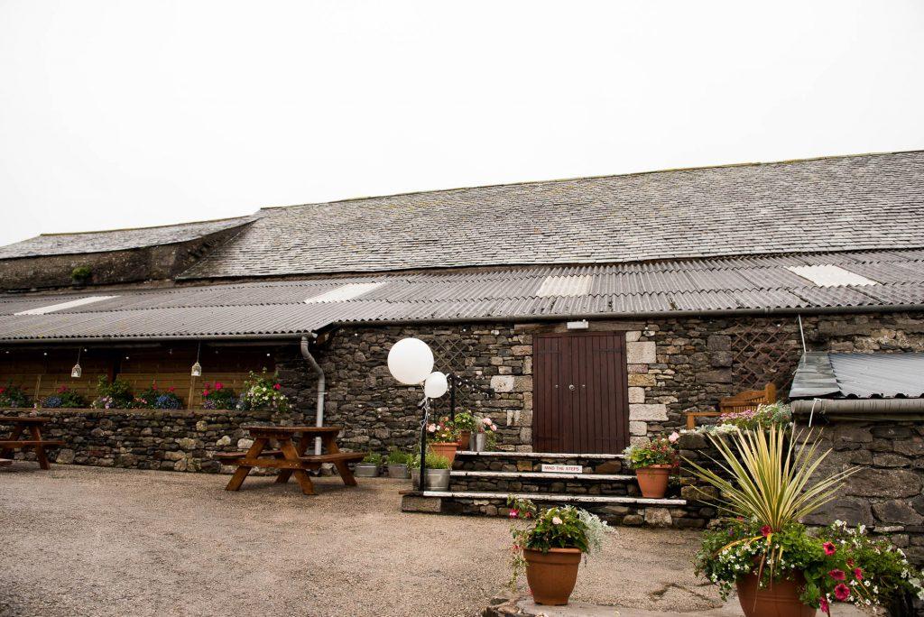 Park House Barn, Rustic Barn Wedding, Park House Barn Outside