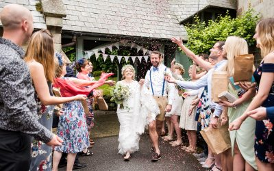 Wedding Top Tips – Three Reasons Why You Need Wedding Confetti