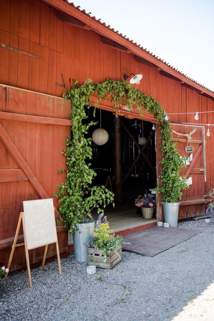 Destination Wedding Photography Sweden - Home made wedding botanical floral garland