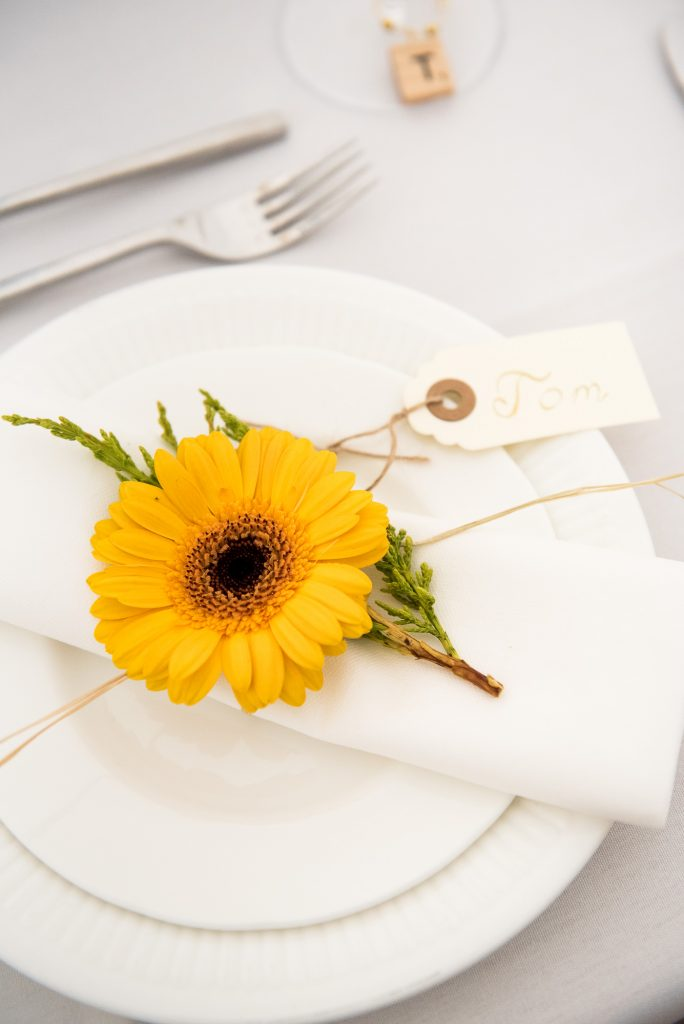 Flower Table Setting Favour