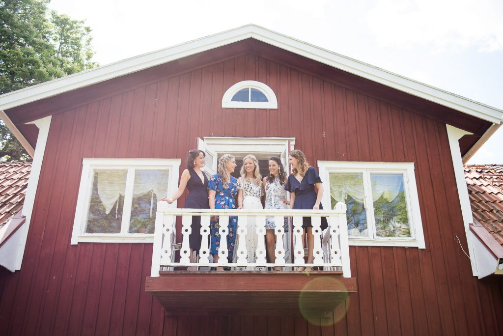 LGBT wedding photography, wedding portrait of bride and her bridesmaids