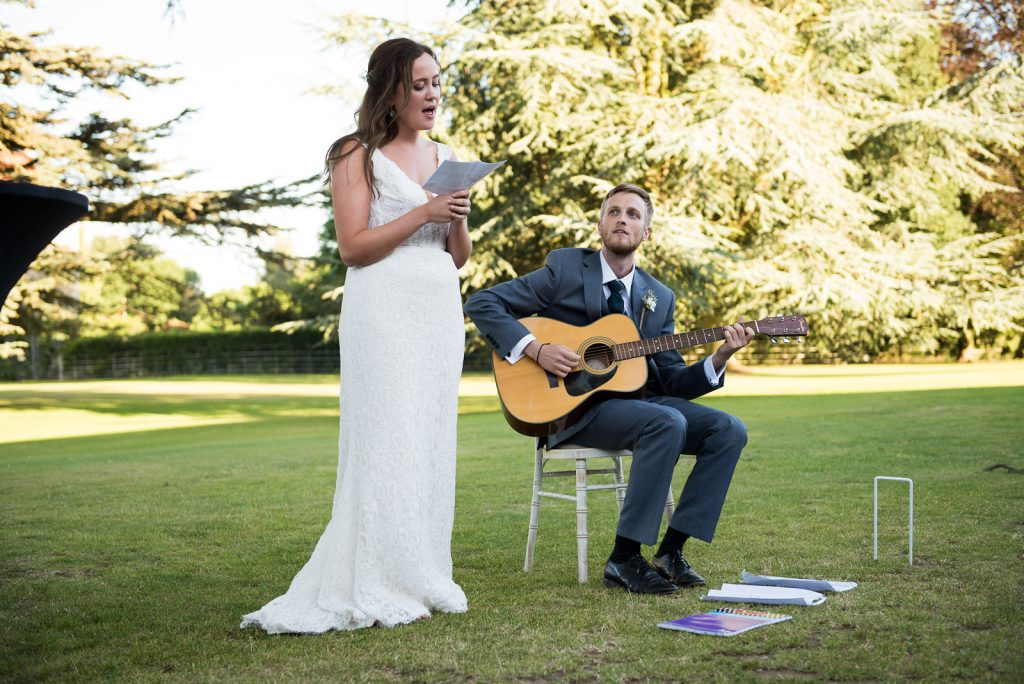Singing speeches © Jessica Grace Photography