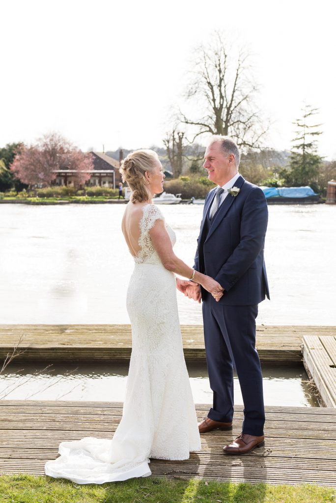 Buckinghamshire wedding photography, relaxed and romantic couples portrait