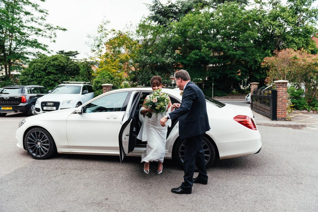 Bride and Groom arrives at the registry office