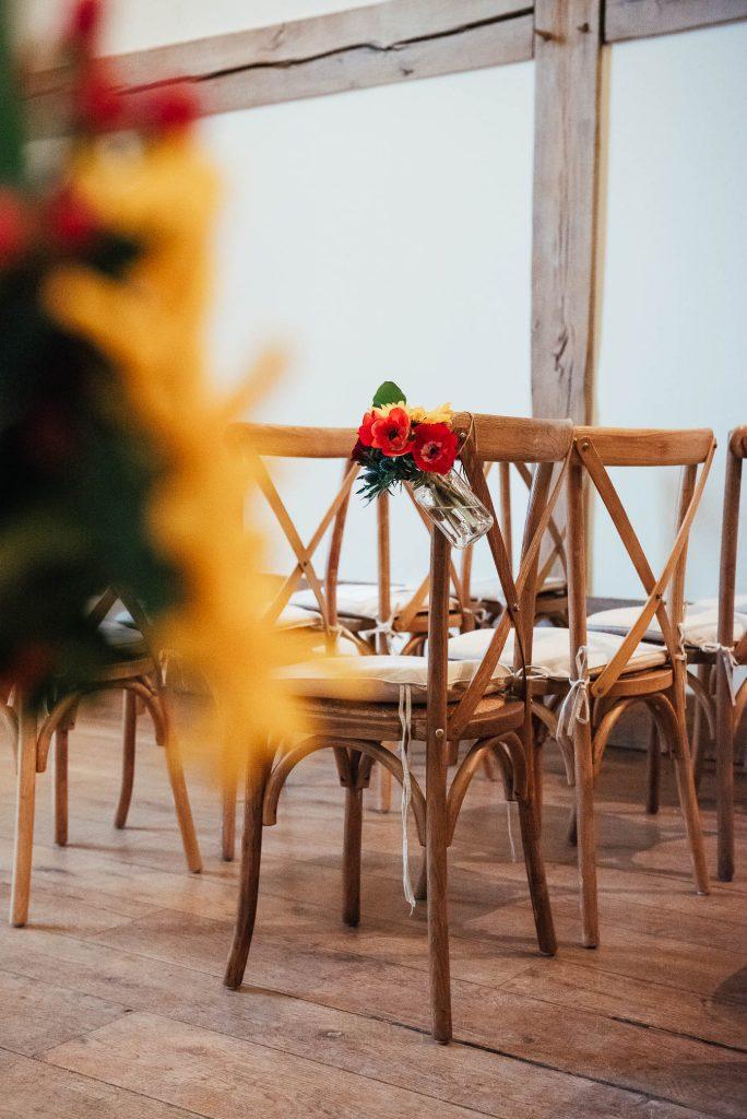 Fresh autumnal flowers for winter wedding