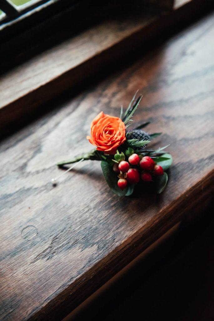 Fresh autumnal florals for button holes