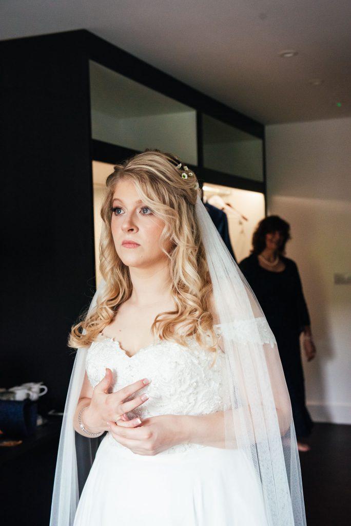 Natural bridal photography