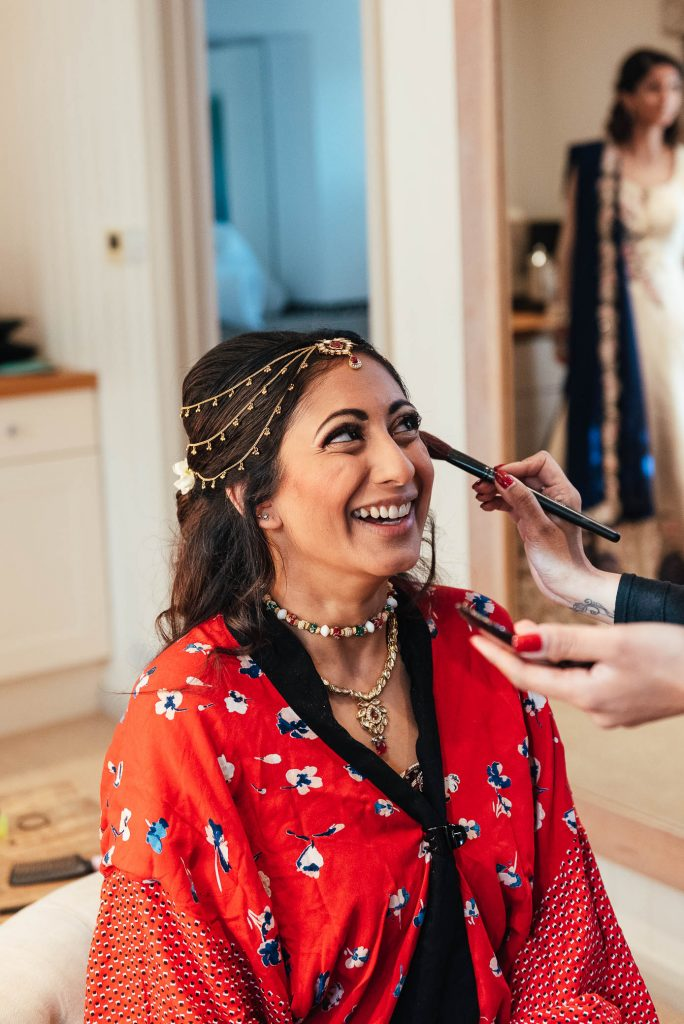 Relaxed wedding preparation photography