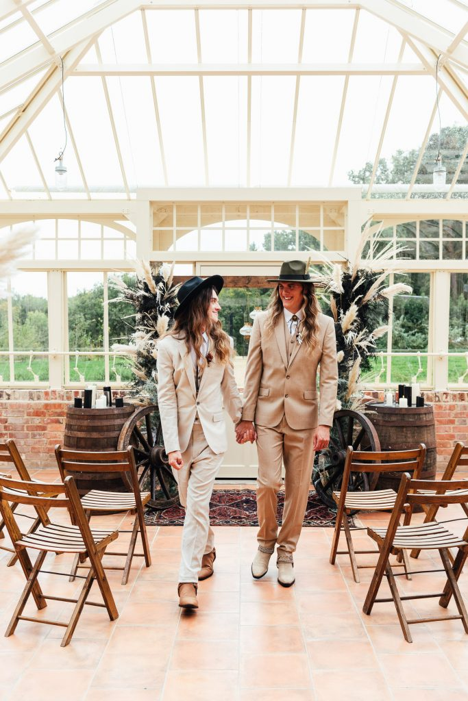 Natural and Relaxed Wedding Ceremony